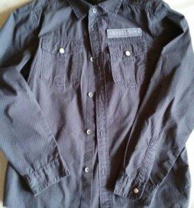 Новая Бенеттон рубашка мальчик рост 129-134