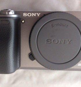 Продам фотоаппарат со сменной оптикой SONY l6000