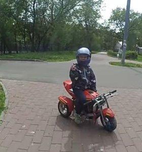 Детский бензиновый мотоцикл трицикл
