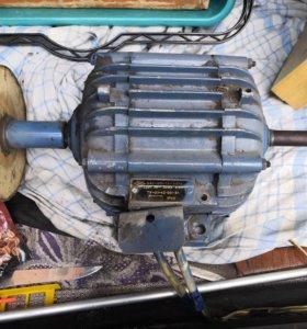 Однофазный электродвигатель ДАО-370-1,5-УХЛ 4