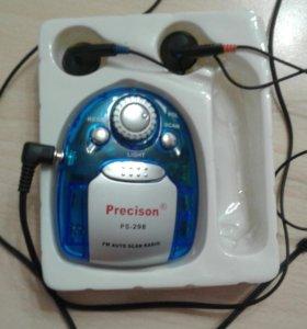 Портативный радиоприёмник с фонарем