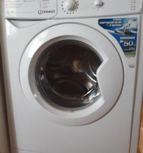 Новая стиральная машина indesit