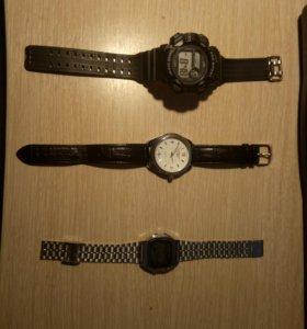 Часы разные.
