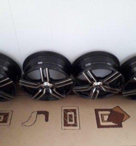 Комплект оригинальных литых дисков R-15