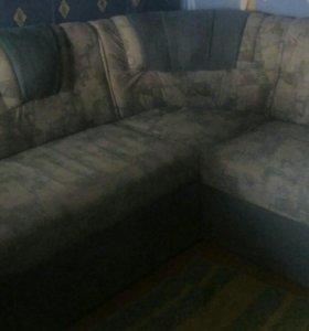 Раскладной угловой диван. Возможен торг.