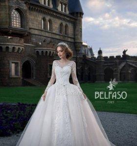 Свадебное платье новое 42 размер