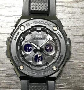 Часы Casio G-SHOCK GST-W-300-1A1