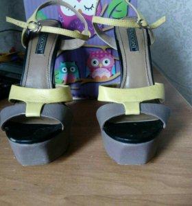 Туфли-шпильки