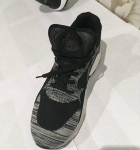 Кроссовки Nike( не оригинал)