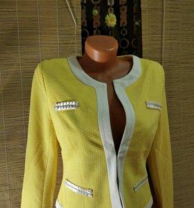 Пиджак женский новый.