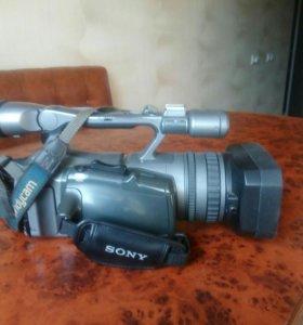 Продам видеокамеру Soni FX-7