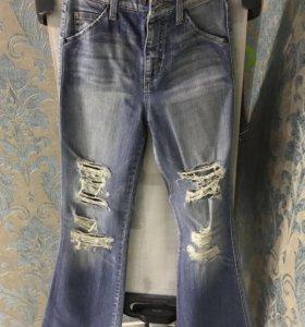 Новые джинсы (р-р 25). Покупались во Временах Года