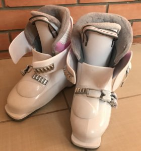 Детские горнолыжные ботинки HEAD
