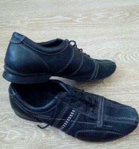 Ботинки,40 размер