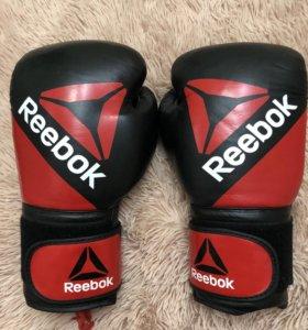 Боксерские перчатки. Новые.