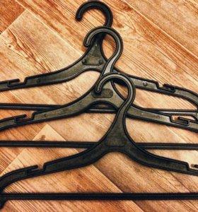 Плечики/вешалки для одежды