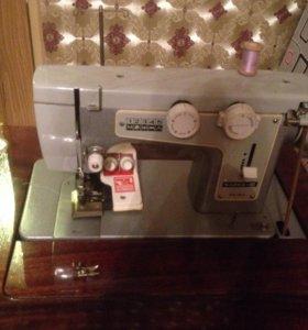 Ножная швейная машинка Чайка-III