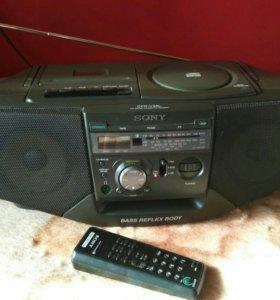 Аудиомагнитола + Подарок диски