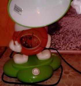 Настольная лампа с часами