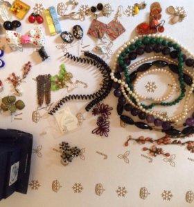Комплект SWAROVSKI, бусы, серёжки, браслеты и др