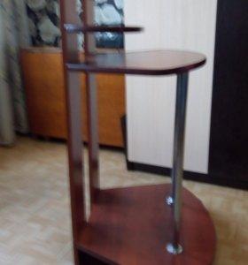 Стол угловой компьютерный.