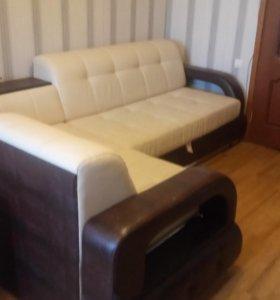 Кожаный угловой диван-кровать
