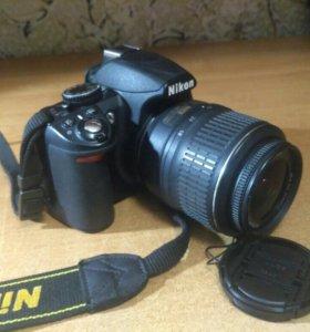 Фотоаппарат со штативом