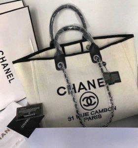 Вместительная сумочка CHANEL
