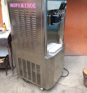 Фризер для мягкого мороженного 380 В трехфазный .