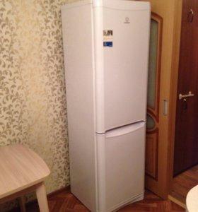 Холодильник-морозильник INDESIT 363л 195 W