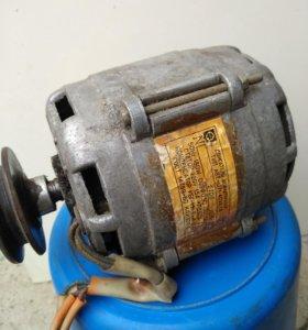 Электродвигатели 4 шт
