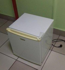 Однокамерный холодильник Эленберг (Elenberg)