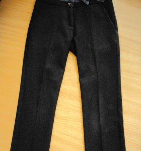 Шк. брюки на 6-8 лет