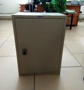 Металлический шкаф (сейф)