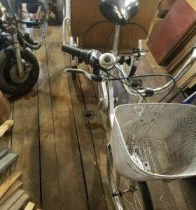 Велосипед трех колесный