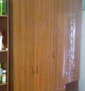Шкаф с антрисолью 10000 торг, покупали за 19500