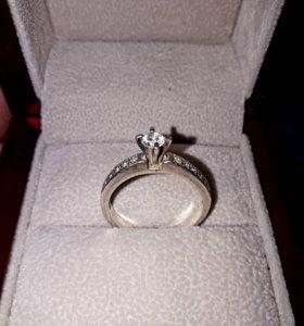 "Красивое серебряное кольцо с ""алмазом""Серебро925пр"