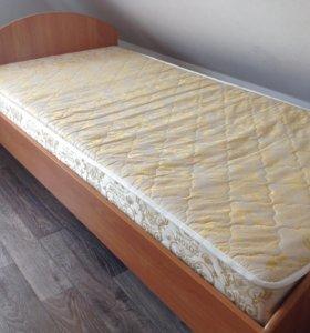 Продам отличную кровать с матрасом.Доставка.