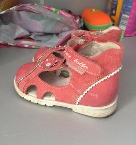 Босоножки (сандали) Totto новые