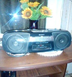 Магнитола кассетная Sony.