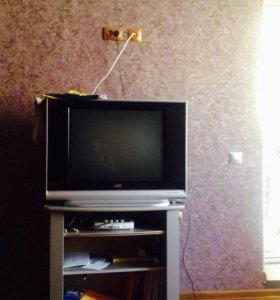 Телевизор в отличном состоянии)