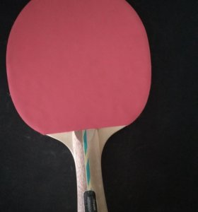 Продам теннисную ракетку.