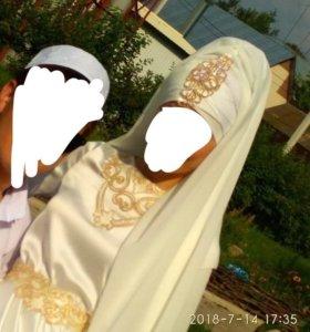 Аренда платья на никах+головной убор