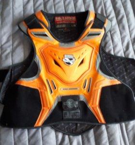 Защита груди /спины