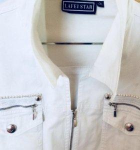 Джинсовая белая куртка