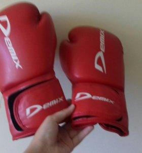 Перчатки боксерские 10 у