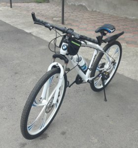 Новый велосипед BMW.