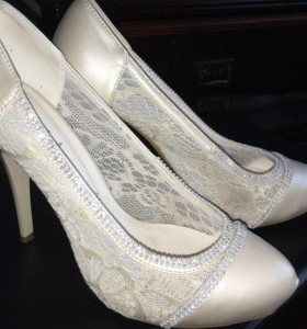 Шикарные туфли (39 разм.)