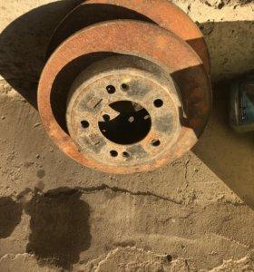 Тормозные диски задним  и переднии хундай елантра