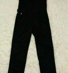 Комбинезон, блузка и брюки